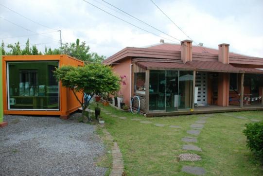 애월읍 장전초등학교 옆 정원이 예쁜 농가주택입니다. 사진정보